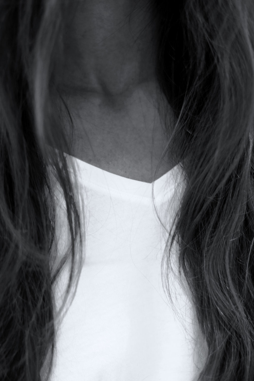 MEY_MARIDALOR_THE_WHITE_SHIRT_BLACK_WHITE_DETAIL